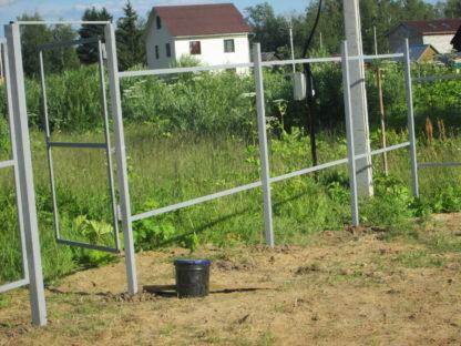 Забор из металлического штакетника в г. Струнино