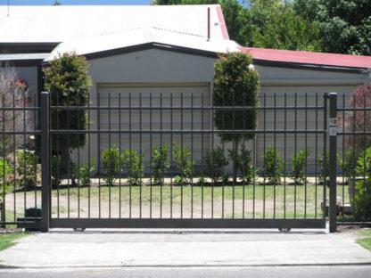 Откатные ворота: их особенности, преимущества и виды.