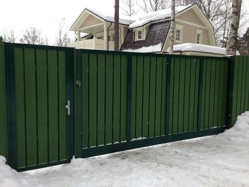 Преимущества заборов с автоматическими откатными воротами
