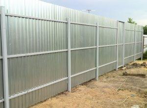 Забор из профнастила (Забор из профлиста)