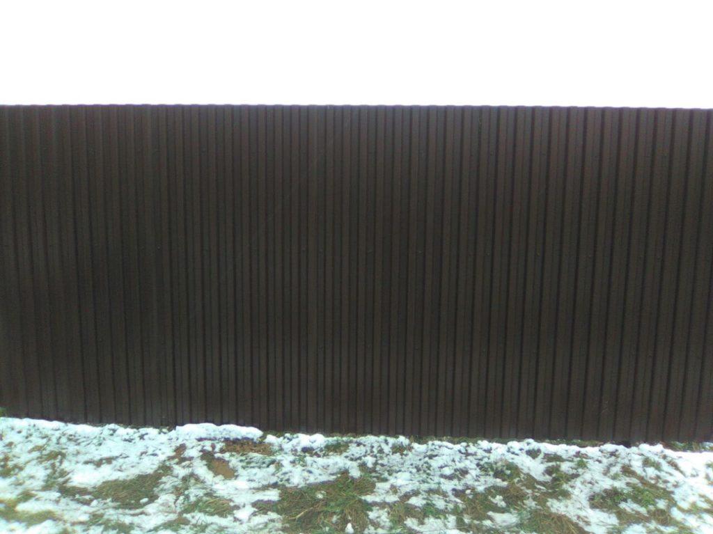 Строим забор из профнастила марки с-21 с 2-х сторонним покрытием в г. Москва
