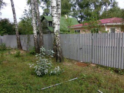 Забор из круглого металлического штакетника цвет сигнально серый 7004 в г. Долгопрудный
