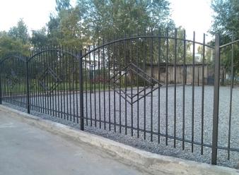 Заборы и ворота на винтовых сваях