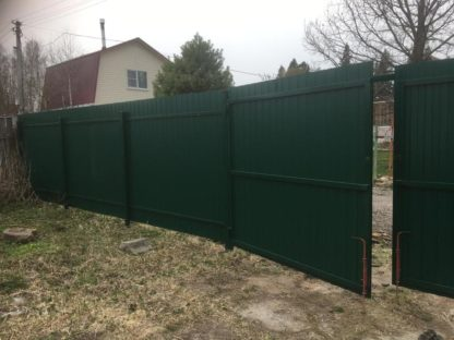 Забор эконом класса из двухстороннего профнастила в г. Клин