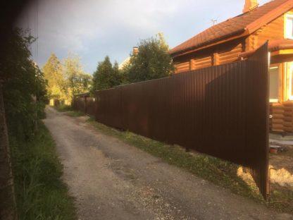 Забор из профнастила на сваях в г. Чехов